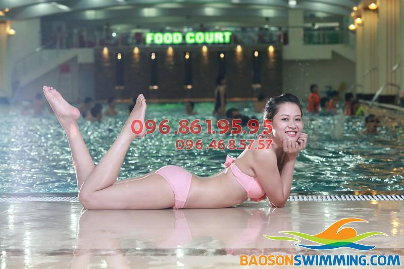 Lớp học bơi cho người lớn tại bể Hapulico