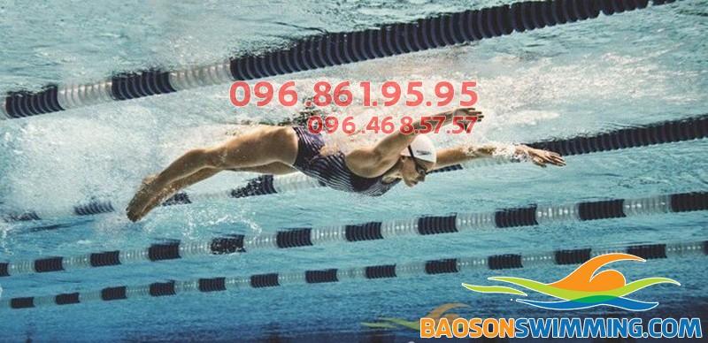 Bơi bướm là kỹ thuật bơi giúp đốt cháy năng lượng hiệu quả nhất
