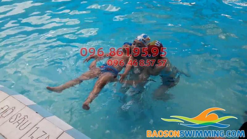 Dạy bơi Hà Nội 2018 - Địa chỉ dạy bơi chuyên nghiệp, giá rẻ cho trẻ em