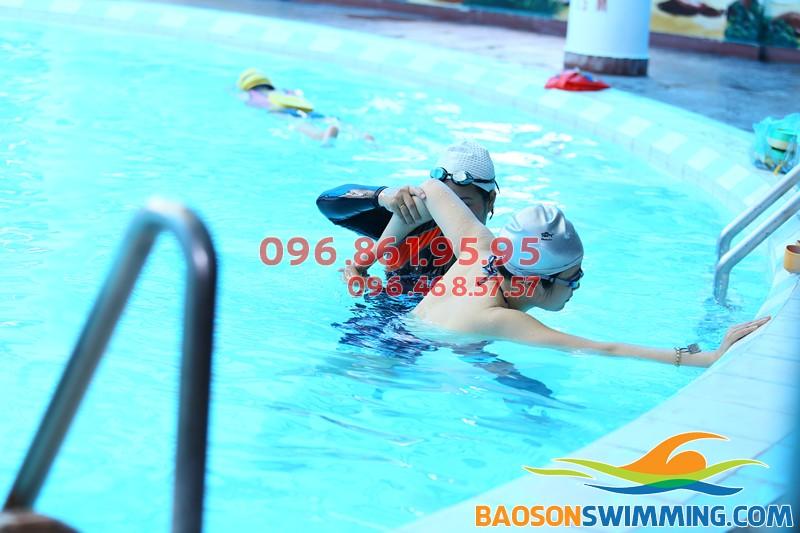 Giá học bơi ở Hà Nội: Học phí học bơi khách sạn Bảo Sơn kèm riêng 2018
