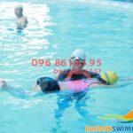 Cần tìm trung tâm học bơi tại Hà Nội