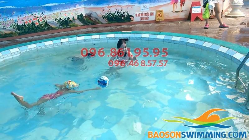 Học bơi Hà Nội 2018 - Các lớp học bơi ở Hà Nội cho trẻ em ở bể Bảo Sơn