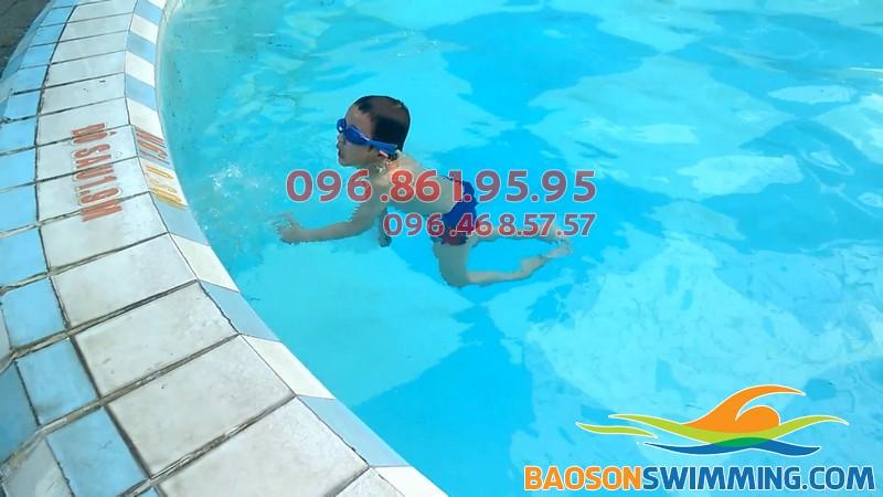 5, 6 tuổi, độ tuổi lý tưởng cho bé học bơi