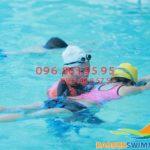 Dạy tập bơi cơ bản cho người mới học tại Bảo Sơn