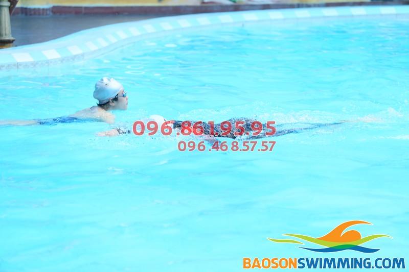 Bể bơi Bảo Sơn - Bể bơi sạch sẽ, lý tưởng để đi bơi và học bơi