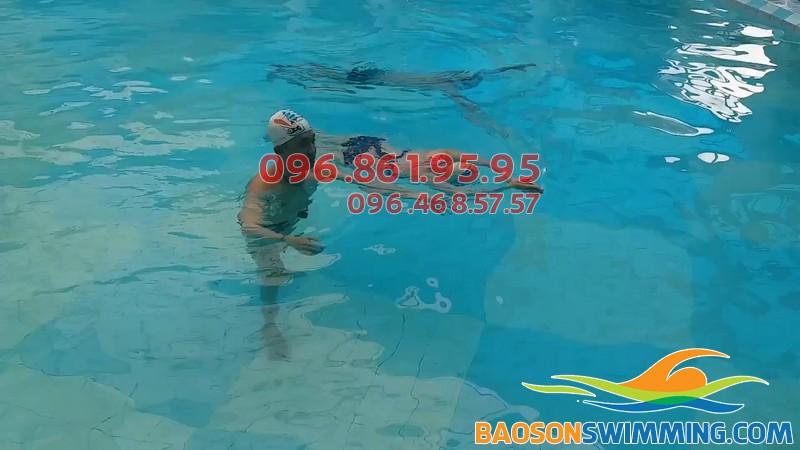Học bơi ở Cầu giấy tại bể bơi Tôn Thất Thuyết với hình thức dạy kèm riêng chất lượng