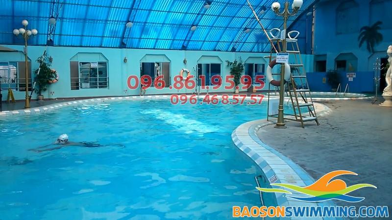 Bể bơi trong nhà Bảo Sơn - Địa điểm bơi lội tuyệt vời cho bé