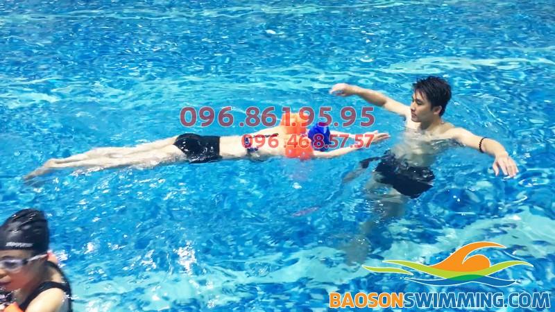 Bể bơi Hapulico - bể bơi trong nhà tốt nhất cho trẻ em