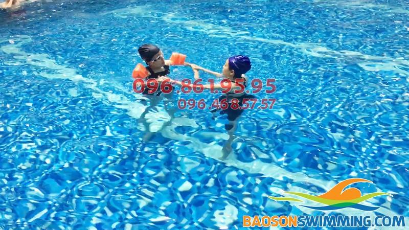 Bể bơi nước mặn Hapulico - bể bơi sạch đẹp nhất Hà Nội