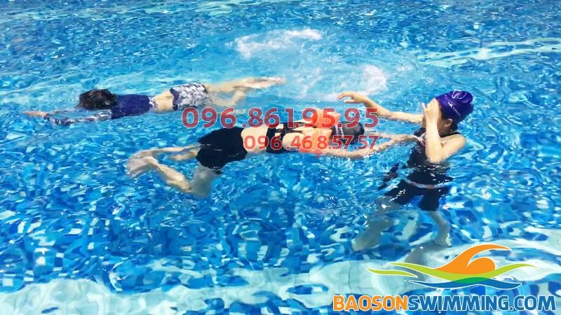 Bể bơi Hapulico nước trong xanh đến tận đáy
