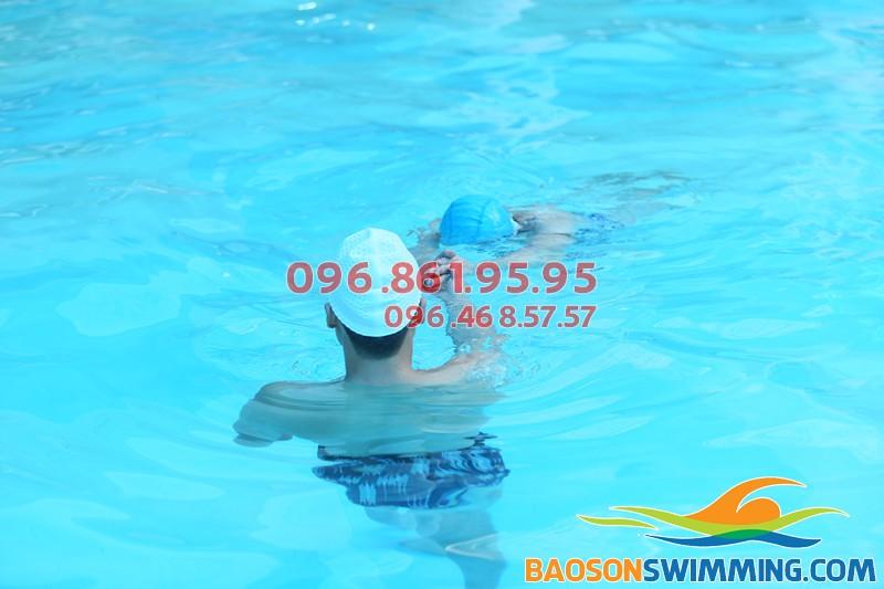 Lớp học bơi cho trẻ em kèm riêng tốt nhất bể bơi khách sạn Bảo Sơn