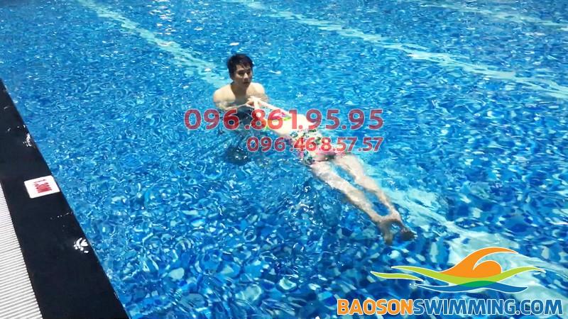 Top bể bơi trong nhà giá rẻ tại Hà Nội - bể bơi Hapulico