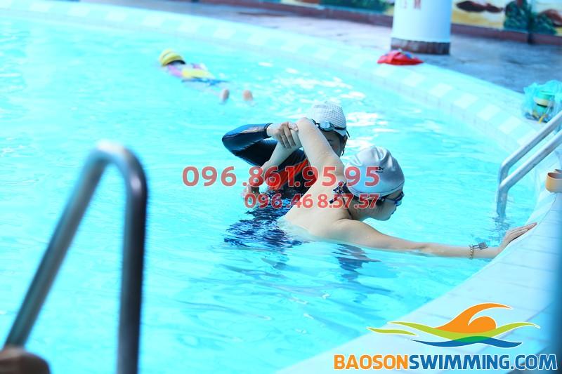 Học phí học bơi cơ bản dành cho người lớn ở bể bơi khách sạn Bảo Sơn