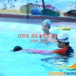 Dạy bơi cho trẻ em giá rẻ bể Bảo Sơn chỉ 2tr/bé, học kèm riêng