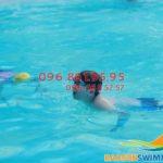 Học bơi giúp trẻ em tăng cường sức đề kháng hiệu quả