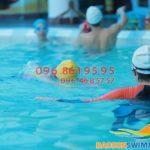 Học bơi kèm riêng bể Bảo Sơn học phí 2tr, cam kết dạy tới khi biết bơi