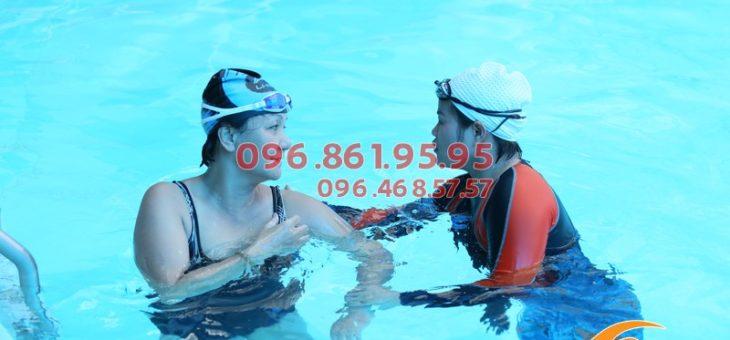 Học bơi sải có tác dụng gì? Những ai có thể học bơi sải?