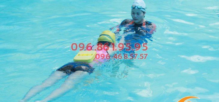 Người lớn học bơi ở đâu? | Lớp học bơi cho người lớn giá rẻ 2019