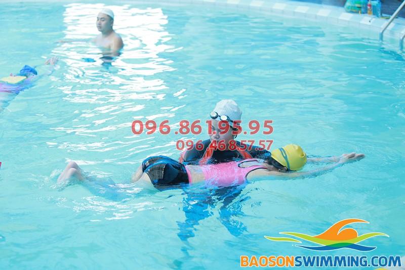 Tuyển sinh lớp học bơi hè 2018, giảm 10% học phí học bơi bể Bảo Sơn