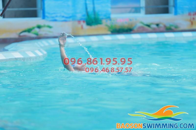 Bể bơi Bảo Sơn sạch sẽ, lý tưởng để học bơi bốn mùa