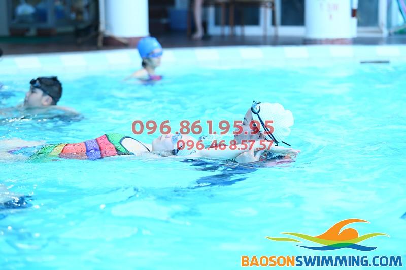 Thông tin lớp học bơi cấp tốc ở bể bơi Bảo Sơn cho người lớn 2018