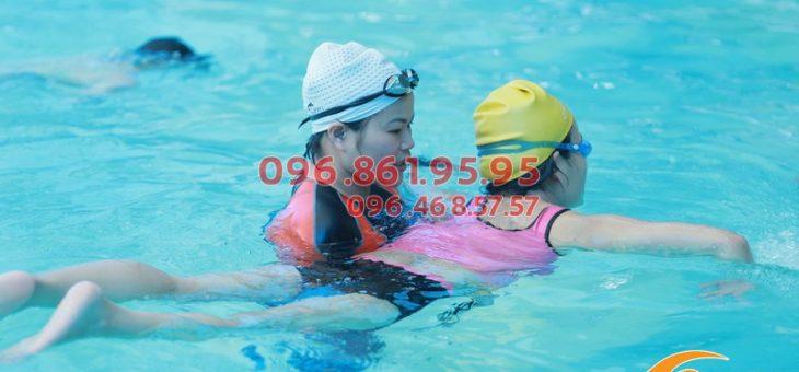 Lớp học bơi người lớn bể nước nóng giá rẻ nhất Hà Nội