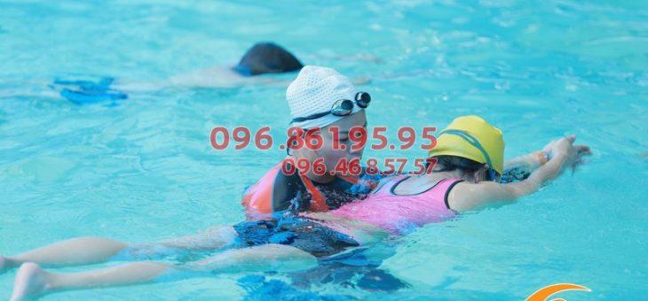 Lớp học bơi cho người lớn giá rẻ nhất Hà Nội, cam kết biết bơi 100%