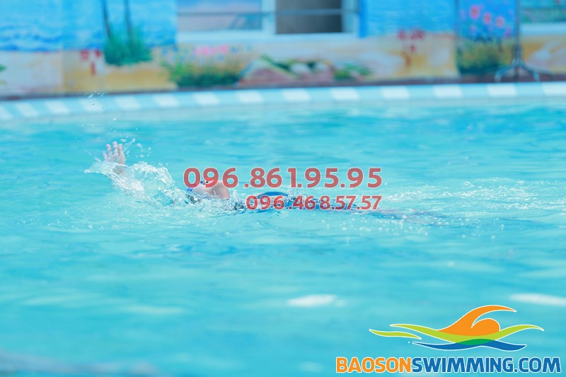 Học bơi bể bốn mùa Bảo Sơn, không lo những ảnh hưởng xấu từ thời tiết