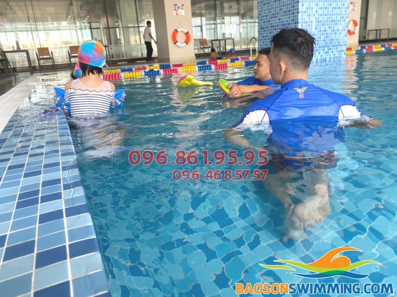 Cập nhật giá học bơi tại bể The Legend Nguyễn Tuân