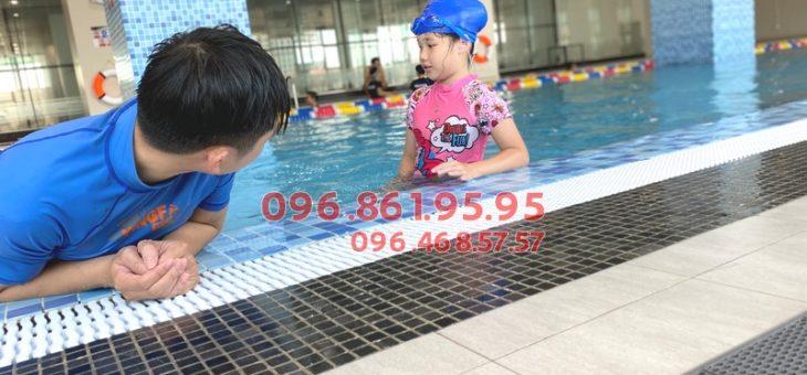 Lớp học bơi ếch bể The Legend Pool giá rẻ, biết bơi sau 7 buổi học