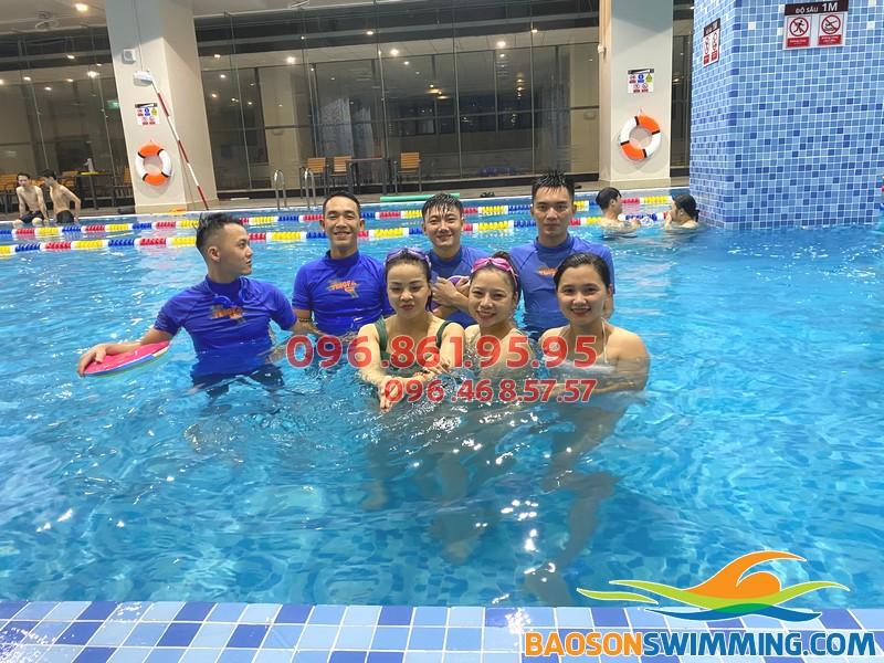 Bể bơi The Legend Pool - Địa chỉ học bơi tuyệt vời cho người lớn