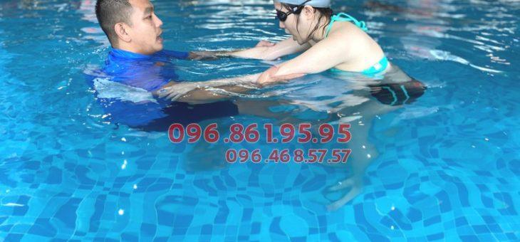 Học bơi người lớn kèm riêng giá rẻ tại Hà Nội